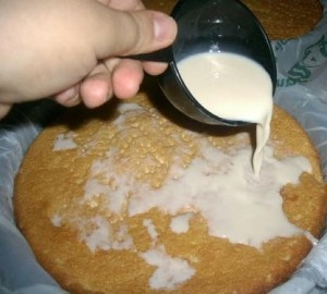 Preparación pastel de tres leches