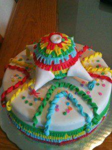 pastel piñata fondant