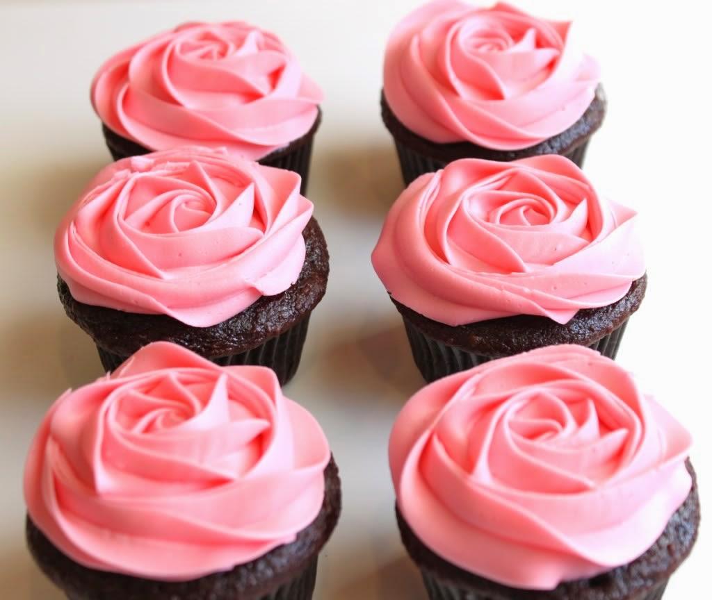 rosas con cupcakes de chocolate