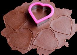 cortando corazones empanadas chocolate