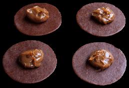 foto de colocación de relleno para empanadas